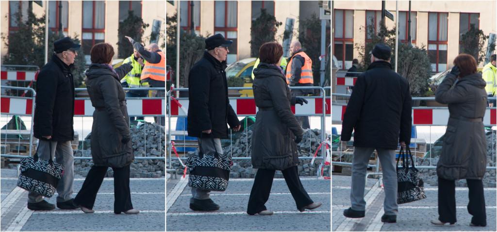 Zmatení chodci před zábranami na Náměstí Republiky